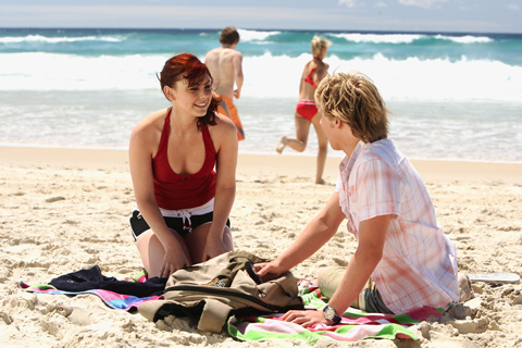 File:Charlotte And Lewis On The Beach.jpg