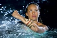 Mimmi Using Bracelet