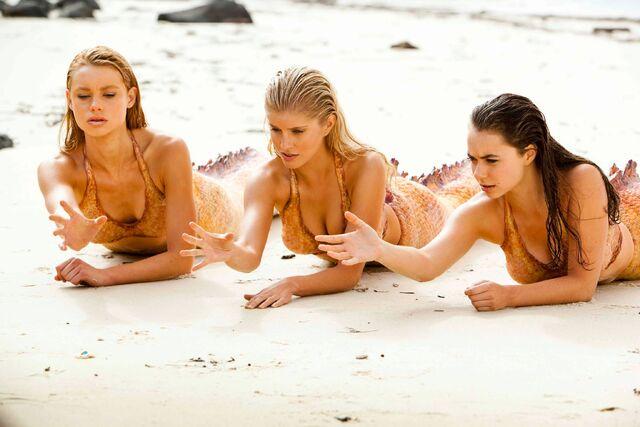 File:Mako Mermaids On Sand.jpg
