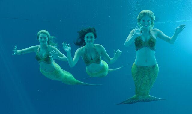File:Mermaid girls 3.jpg