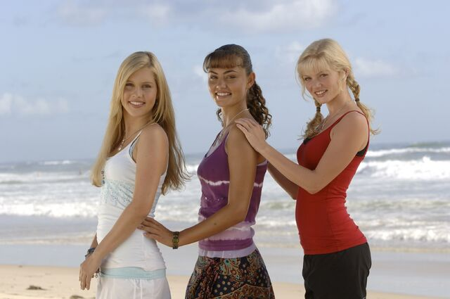 File:H2O Girls.jpg
