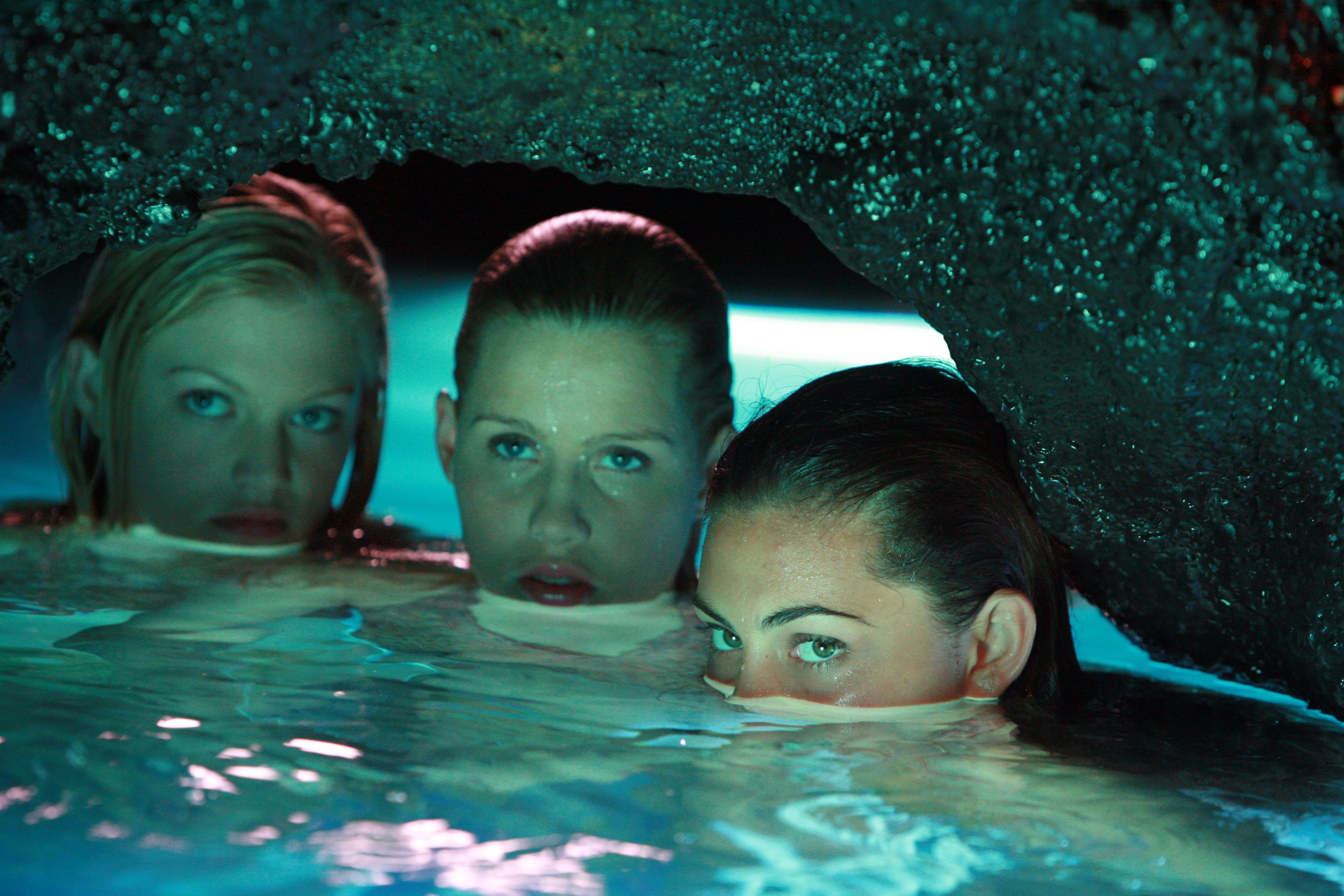 Image rikki emma and cleo hiding in h2o for H2o just add water 3