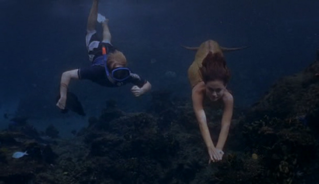 File:Cleo And Lewis Swimming.png