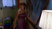 1x17 Cleo's look to dance