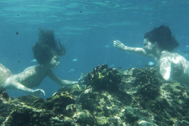 File:H2O-under-water-scenes-h2o-just-add-water-2186368-1024-680.jpg