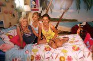 Emma,cleo and Rikki in cleo's bedroom (season 2) 2