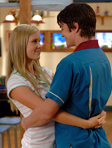 File:Emma And Ash.png