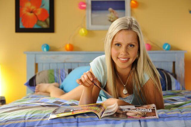 File:Emma On Bed.jpg