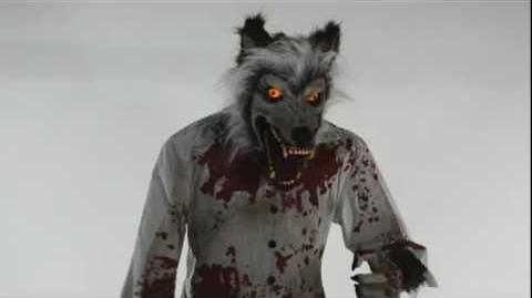 Limb Ripping Werewolf - Spirit Halloween