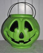 Vintage General Foam Plastics Green Pumpkin Jack O Lantern Halloween Candy Pail