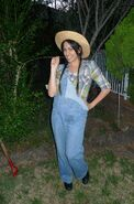 Farmer-Girl-Costume