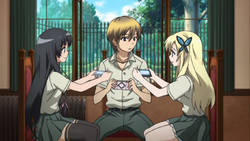 6-Sena, Yozora and Kodaka playing games