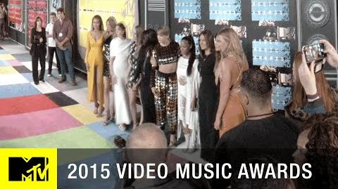 360 VR Taylor Swift's Bad Blood Squad Hit the Red Carpet MTV VMA 2015