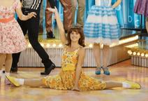 Belle doing the splits