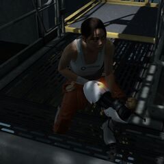 Chell sneaking in a maintenance area.