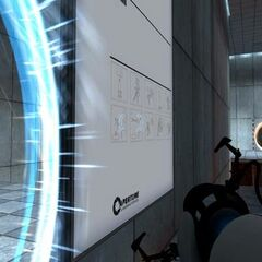 Early blue portal, again with the <i>Half-Life 2</i> HUD, in Test Chamber 03.