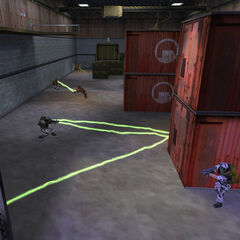 Battling Vortigaunts in <i>Uplink</i>.