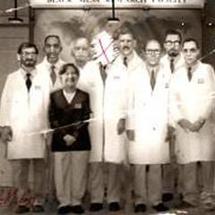 Picture frame found in Dr.Kleiner's Lab.