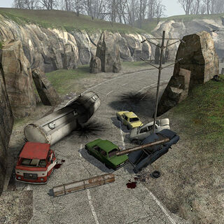 Wrecks right before the station, with the Crossbow hill on the right.