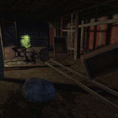 Antlion Worker trying to hit the player inside the mines.