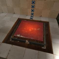 Ultrabotón antiguo en una cámara de pruebas antigua en Portal 2