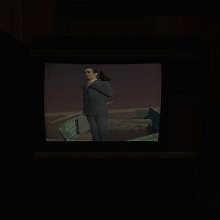 G-Man visto con en una televisión con un cuervo