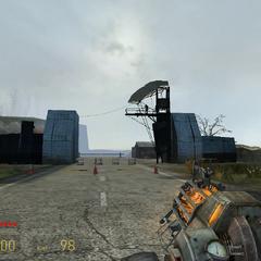 Soldado Overwatch disparandole a Gordon desde la lejanía.
