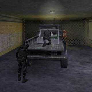 Variante Black Ops con el dispositivo nuclear, siendo preparado por asesinos Black Ops
