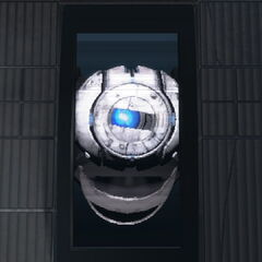 Wheatley en un monitor