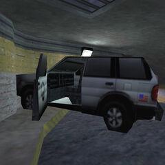 SUV estrellado en Opposing Force