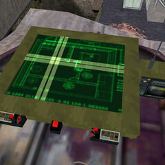 Mapa Táctico junto a la radio por la cual se comunicaban con Cooper