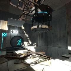Dispensador en la dañada Cámara de Pruebas 04 en Portal 2