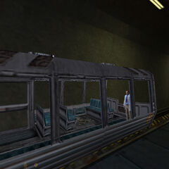 Gordon Freeman pasando en su tranvía, misma escena que se ve al comienzo de <a href=