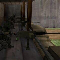 Ametralladoras siendo utilizadas por Soldados HECU en el campo de entrenamiento