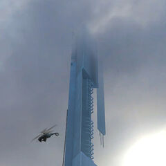 Un Helicóptero-Cazador pasando pasando frente a la <a href=