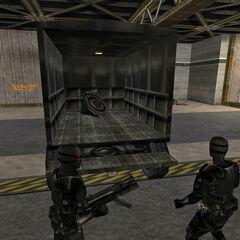 Asesinos Black Ops resguardando la bomba en Fuego Amigo