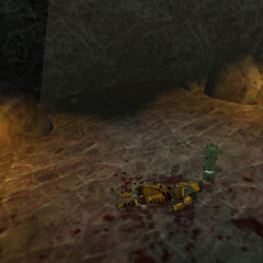 Miembro de equipo de xploración muerto con caja de armas cerca en Xen