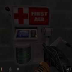 Cargador de Salud suministrando en Half-Life Decay