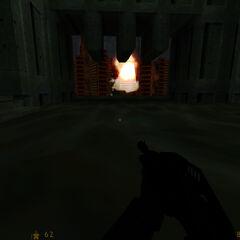 Explosivos destruyendo el destructor de basura, abriendo el camino de salida