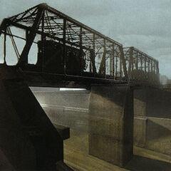 Tren Razor que pasa sobre un puente encima de los canales.