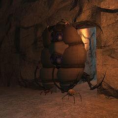 Plantilla hecha de tres consejeros usada para Cápsula de Gonarch, en Half-Life 2 Beta