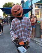 Chainsaw Pumpkin 1 (HHN 26)