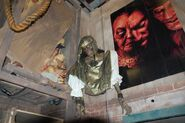 HHN Hallowd Past Props 17
