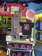 HHN 13 Gift Shop
