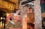 HHN 2 Doll Lady and Man
