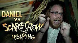 Daniel vs Scarecrow The Reaping Halloween Horror Nights 2017