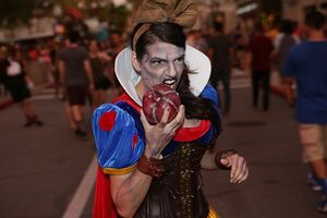Snow-white-steampunk-hhn-25