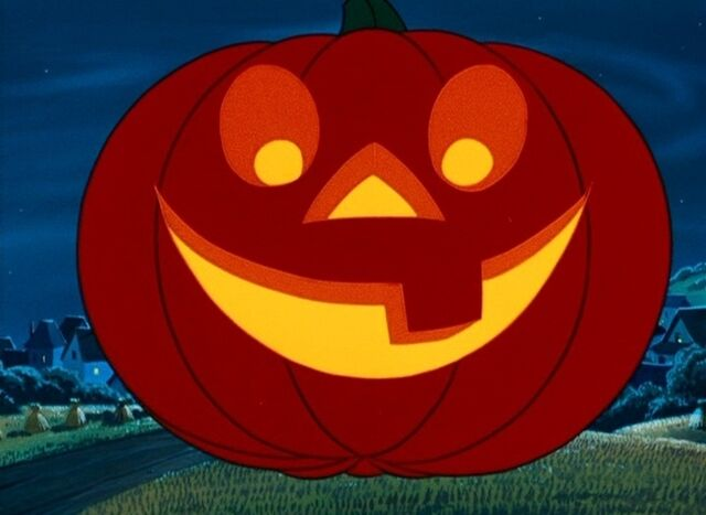 File:Jack O'Lantern Smiling.jpg