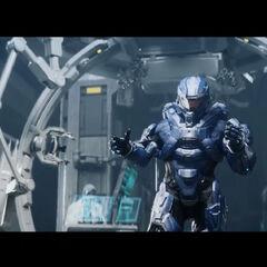 Ein Spartaner nach dem automatischen Anlegen der Rüstung.