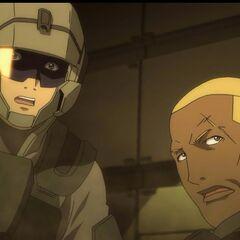 Ralph-303 und Sergeant Hauser (ohne Helm)